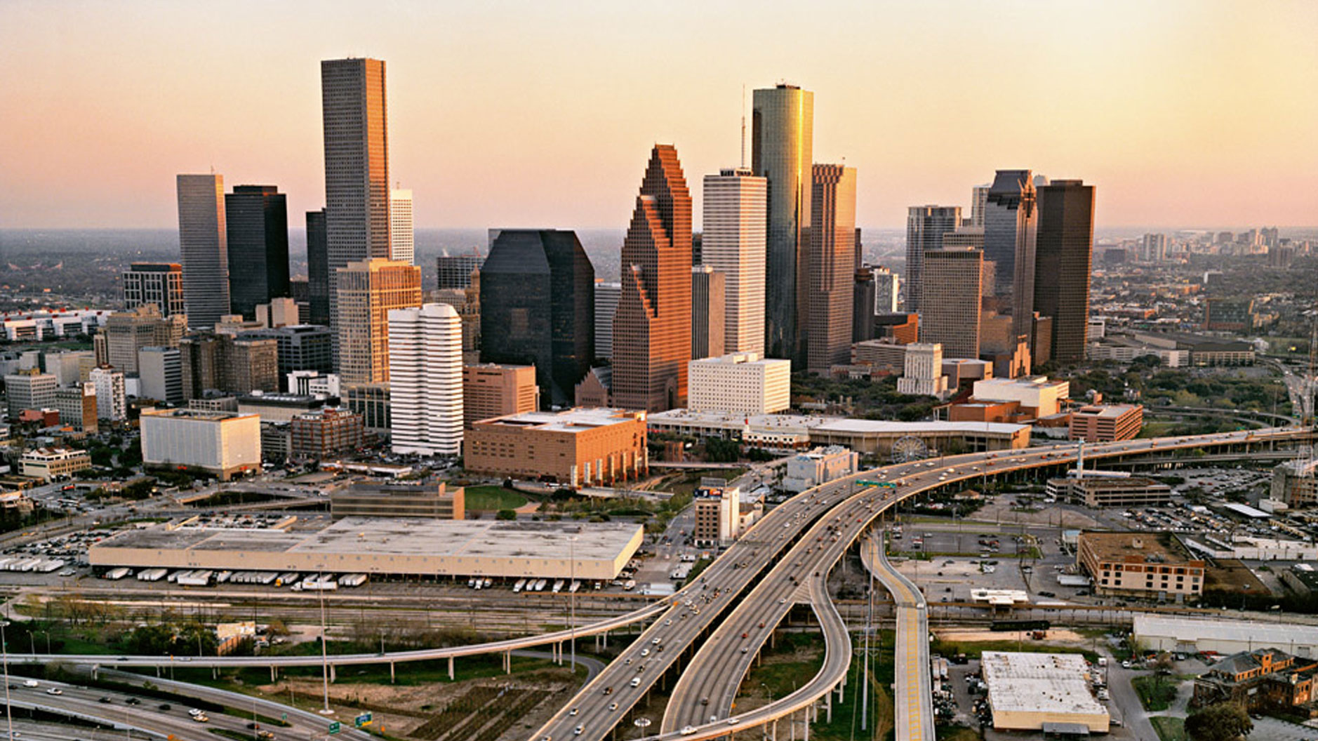 Current local time in USA – Texas – Houston. Get Houston's weather and area codes, time zone and DST. Explore Houston's sunrise and sunset, moonrise and moonset.